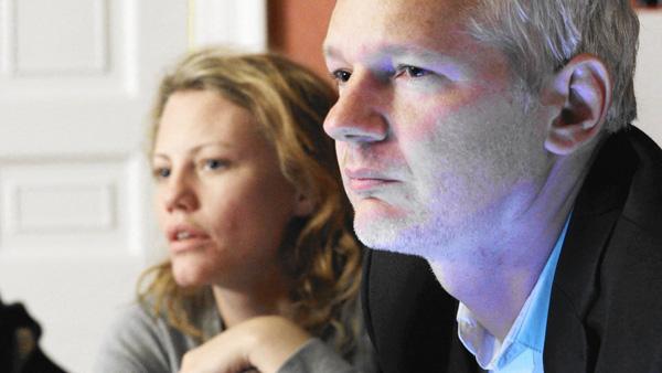 Julian Assange Sarah Harrison bilde