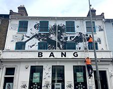 Bank Job - bilde av fasade bank